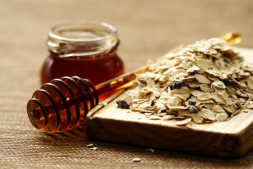 oatmeal and honey for acne